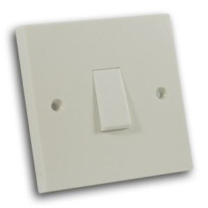 10 Amp 1 Gang 2 Way Switch Off White