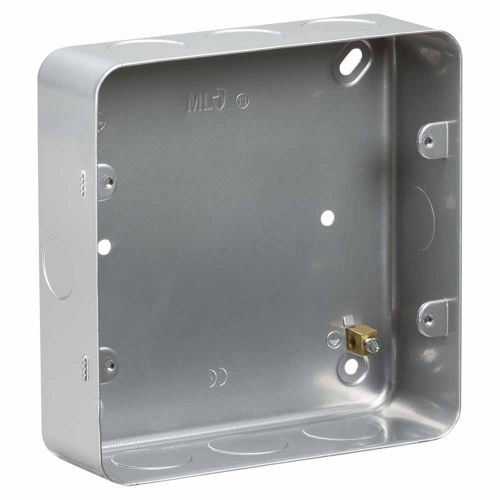 Knightsbridge Metalclad 6-8G surface mount box by Meteor Electrical