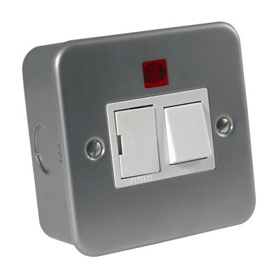 Metal Clad 13 Amp Fused Spur Unit with Neon Indicato