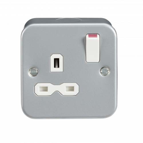 Metal Clad 13A 1 Gang Switched Socket