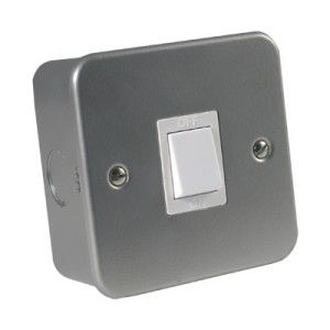 Metalclad 20 Amp Double Pole Switch